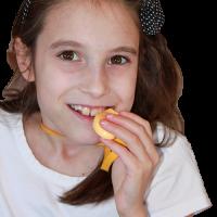 9yrold_chewing yellow_Kidcompanions Chewelry