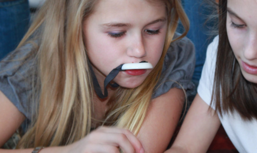 Kids, Tweens and Teens with ADHD Focus Better when Allowed to Use Chewelry or Fidgets