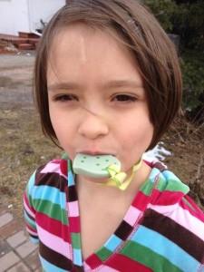 KidCompanions Chewelry est un accessoire mâchouillable innovateur pour les enfants, adolescents et adultes.